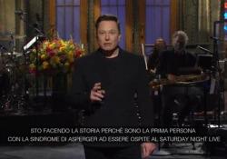 Elon Musk al Saturday Night Live: «Ho la sindrome di Asperger» Il fondatore di Tesla è stato super ospite dello show insieme ai cantanti Miley Cyrus e the Kid Laroi - Ansa