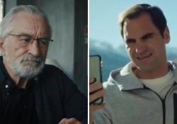 Federer e De Niro in uno sport da ridere: «Roger, la Svizzera è troppo perfetta» Le due star mondiali in un video per Svizzera Turismo - Ansa