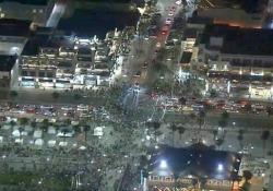 Festa TikTok fuori controllo in California: 150 arresti La festa di compleanno era stata annunciata da un utente di TikTok ed aveva attirato più di 2.500 persone a Huntington Beach - CorriereTV