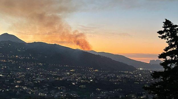incendio, Monreale, monte caputo, Palermo, Cronaca