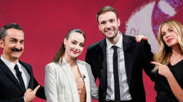 televisione, Andrea Zenga, Rosalinda Cannavò, Messina, Società