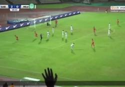 Malesia, segna con un pallonetto in mezza rovesciata Il gol realizzato da Amri Yahya, calciatore del Sabah, squadra del campionato della Malesia - Dalla Rete