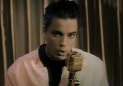 Morto Nick Kamen, «Each Time You Break My Heart»: il suo esordio Il cantante è scomparso all'età di 59 anni. - Corriere Tv
