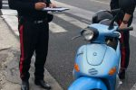Floridia, giovane trovato con 3 motorini rubati: denunciato per ricettazione