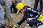 Piccoli studenti catanesi alle prese con l'orto, piantati pomodori e lattughe - Le foto