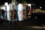 Incidente sulla Messina-Catania, si ribalta tir carico di prodotti ortofrutticoli: illeso l'autista