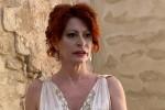 L'attrice Debora Bernardi