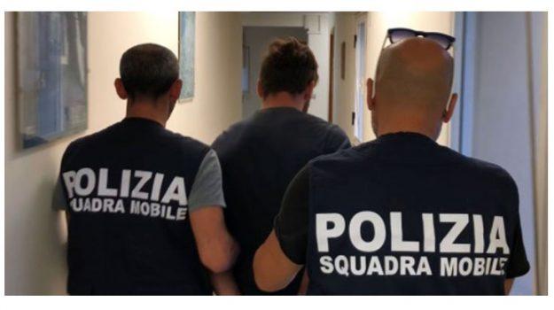 Gela, rapina, Caltanissetta, Cronaca