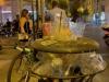 Movida a Palermo, divieti infranti e rifiuti: il centro storico si sveglia fra cumuli di bottiglie e bicchieri