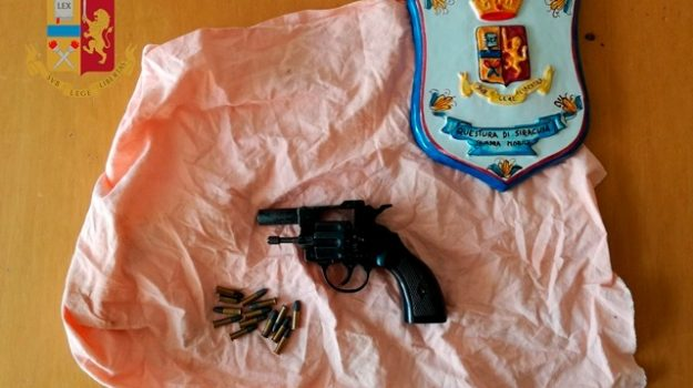 armi, Siracusa, Cronaca