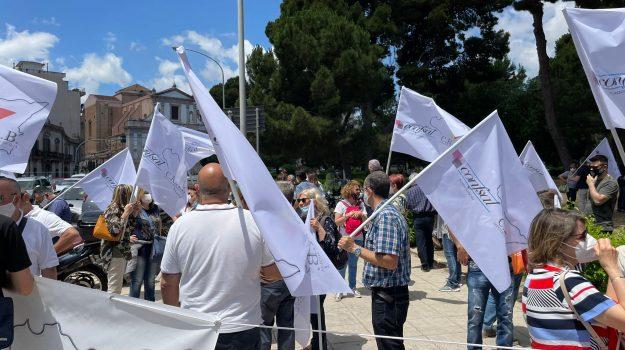 LAVORO, Sicilia, Economia