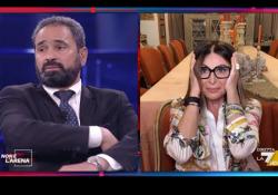 Saman Abbas, botta e risposta tra Santanchè e l'Imam: «L'Imam fai da te», «Lei mai stata equilibrata» Lo scontro «A non è l'Arena» su La7 - Corriere Tv