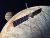 Rappresentazione artistica della sonda Europa Clipper che sorvola Europa, la luna ghiacciata di Giove che sotto i ghiacci potrebbe ospitare la vita (fonte: NASA/JPL-Caltech)