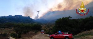Brucia la provincia di Palermo: incendi da San Giuseppe Jato a Caccamo, piove cenere sul capoluogo