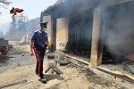 Vasto incendio a Buscemi, abitazione distrutta dalle fiamme: evacuate alcune villette