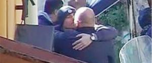 Jimmy Celesia saluta con un bacio in bocca Pietro Tagliavia il 9 febbraio 2020