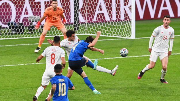 Italia in finale! Battuta la Spagna ai rigori: Jorginho non sbaglia dopo  l'errore di Morata - Giornale di Sicilia