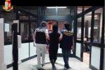 Caltanissetta, oltre 900 grammi di hashish nascosti in valigia: arrestato trentottenne