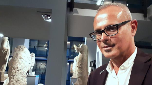 Alberto Samonà, Sicilia, Politica