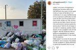 "Vacanza da incubo per Selvaggia Lucarelli a Noto: ""Senza acqua e luce, per strada montagne di rifiuti"""