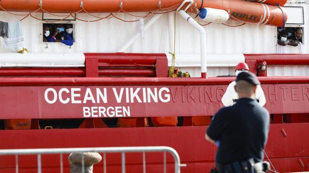 Lampedusa, migranti, Ocean Viking, Agrigento, Cronaca