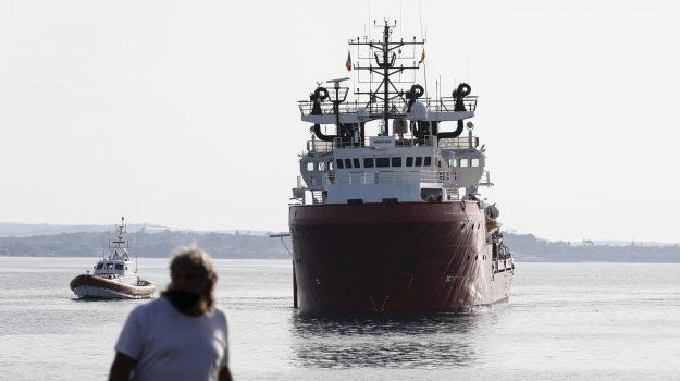 migranti, Ocean Viking, pozzallo, Ragusa, Cronaca