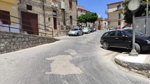 castronovo di sicilia, Nello Musumeci, Palermo, Cronaca