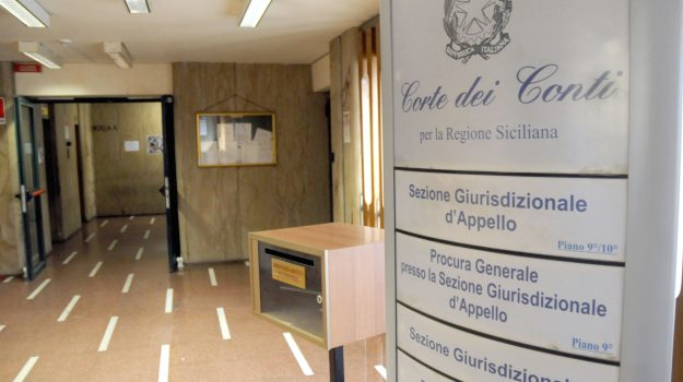 Corte dei conti, regione siciliana, Sicilia, Politica