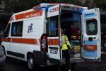 Incidente sulla Siracusa-Catania, tir incastrato tra le lamiere del guard rail: ferito il conducente