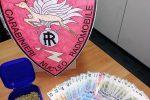 Il denaro e la marijuana trovati in casa del giovane arrestato