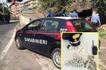 Fontanarossa, rifornisce pusher sul campo nascondendo la droga negli slip: arrestato