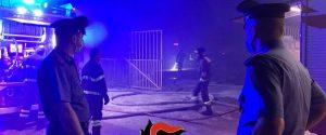 Rogo nella baraccopoli dei migranti a Castelvetrano: un morto. Protesta dei braccianti
