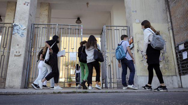 scuola, Sicilia, Cronaca