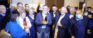 Francesco Gruppuso festeggia la vittoria elettorale