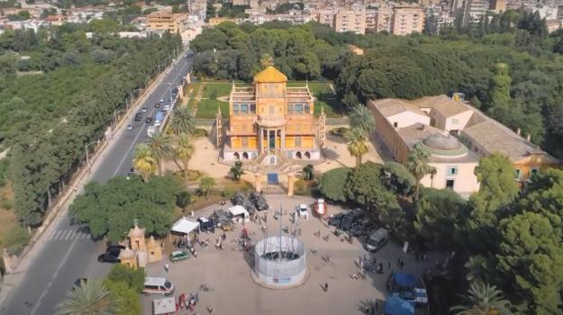 domenica favorita, Palermo, Società