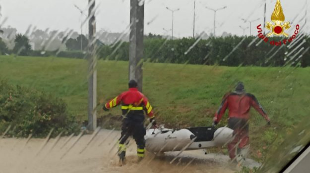 """Violenta burrasca sullo Stretto di Sicilia, avanza il ciclone """"Medicane"""""""