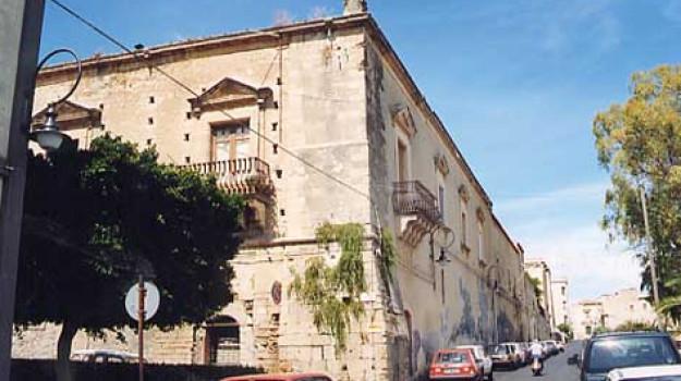 palazzo branciforti, Nello Musumeci, Catania, Cultura