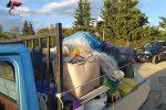 Siracusa, scoperto con l'apecar carica di rifiuti illegali