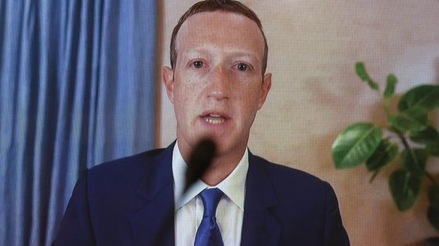 Facebook down, instagram, whatsapp, Mark Zuckerberg, Sicilia, Mondo