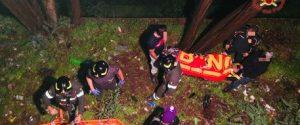 Ragazza cade da un muro alto 5 metri, salvata dai pompieri