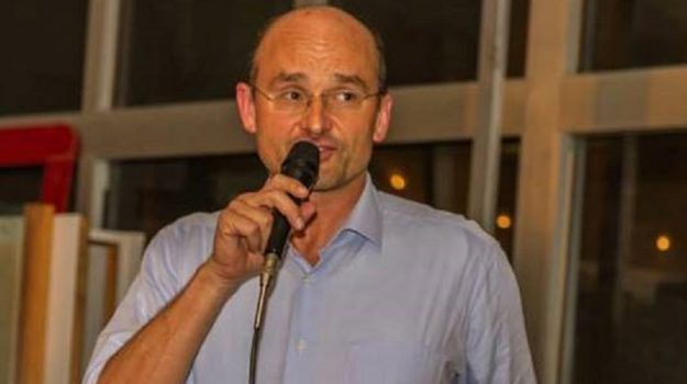 Ugo Frascherelli, Sicilia, Politica