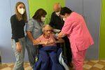 Comiso, a 107 anni riceve la terza dose del vaccino anti-Covid