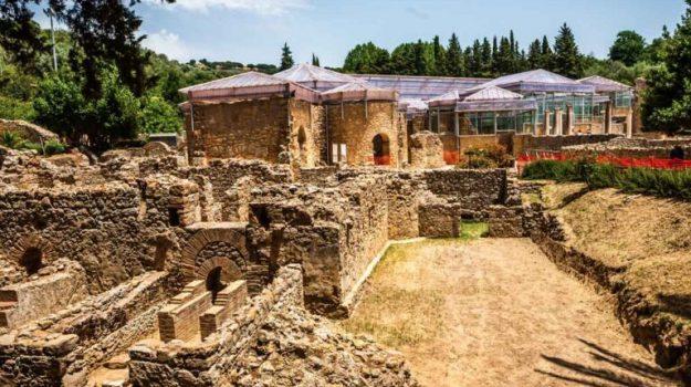 Enna, scavi per la linea ferroviaria vicino alla villa romana