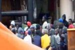 Sbarco a Lampedusa, le fasi del salvataggio dei migranti