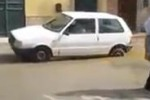 Realmonte, auto sprofonda in due buche coperte dall'acqua