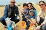 Agrigento, volontari ripuliscono la spiaggia di San Leone