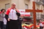 """""""Chi non salta mafioso è"""", l'arcivescovo di Agrigento salta in piazza"""