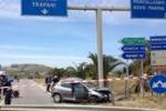 Auto contro furgone a Montallegro: le immagini