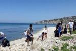 Palma, volontari puliscono la spiaggia Torre san Carlo
