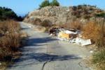Rifiuti lungo via Sant'Onofrio a Porto Empedocle